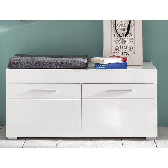 b nke. Black Bedroom Furniture Sets. Home Design Ideas